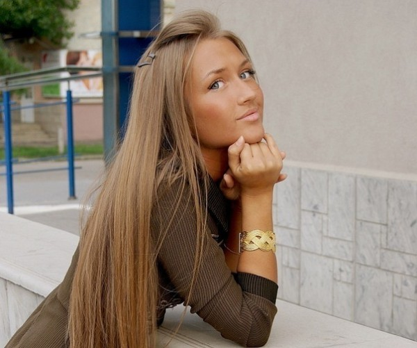 Бежевый оттенок волос фото